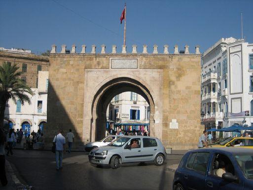 Где расположен тунис
