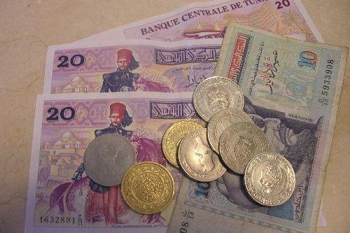 В Тунисе действует вполне устойчивая денежная единица - Динар