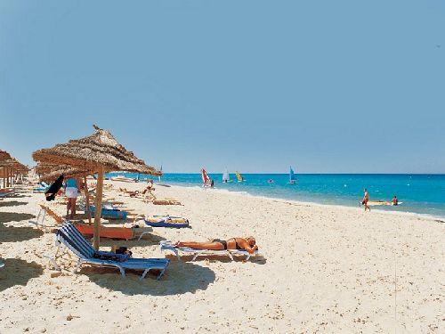 Если Вы планируете летом отдых у моря, то, безусловно, нужно рассмотреть и Тунис