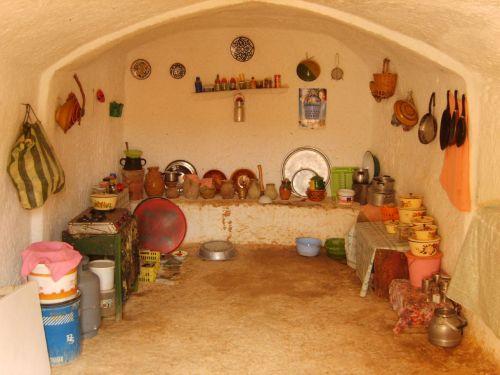 Типичная кухня берберов в пещере