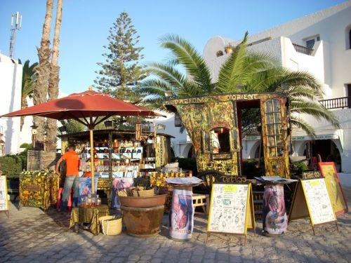В Эль-Кантауи можно приобрести местные сувенирчики