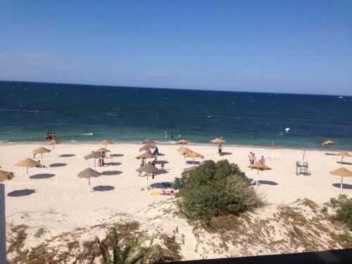Великолепные песчаные пляжи в Эль-Кантауи